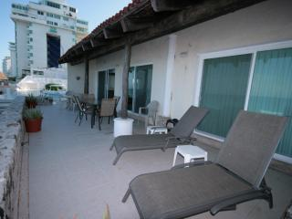 Beautiful 4005 Villa at Cancun Plaza Condo, for Rent!!