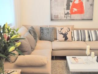 New! Covent Garden LUXURY! 2bed/2bath 5min to tube, London