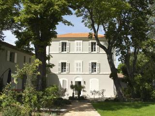 Luxury Furnished Apartments Aix en Provence, Meyreuil