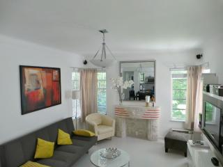 Cosy apartment just a minute's walk from the beach, Miami Beach