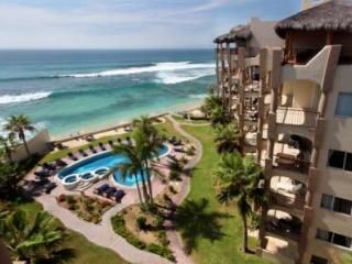 Beachfront 4 bedroom Penthouse, private rooftop, San Jose Del Cabo