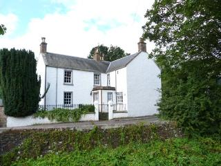 MILL OF TANNADICE, riverside cottage with fishing rights, Rayburn, cosy holiday home, Tannadice near Kirriemuir, Ref 30227
