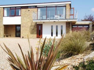 Fabulous beach-holiday house sleeps 10, Hill Head