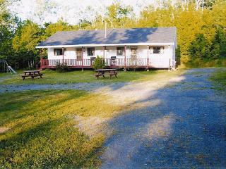 2 Bedroom Cottage at Birch Villa #4, Smith's Cove