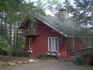 Hoot Owl Hollow - Chalet * Great Views * Private*, Highlands
