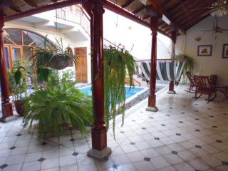 Centrally located Colonial Home in Granada