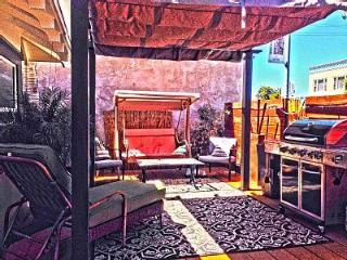 Chic 3BR Party House near Downtown and Trolley, San Diego