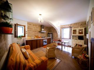 Romantic in OldTown closewalk to sea Alghero