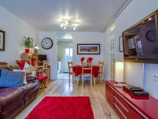 Belfast Apartment - 4 star 2 bedroom accommodation