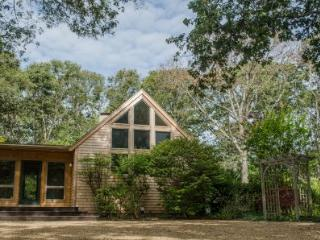 MINK MEADOWS CONTEMPORARY WITH PRIVATE ASSOCIATION BEACH - VH FELL-45, Vineyard Haven