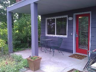 Private, Comfortable, Hillsdale Apartment, Portland