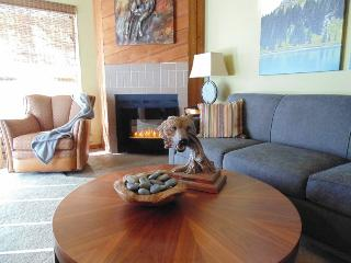 Mountain & Lake View Home in Pagosa Springs