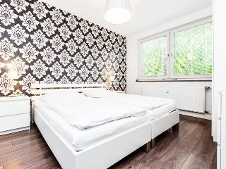 58 Modern apartment for five in Cologne Höhenberg, Colonia