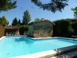 Carrouze with Health Spa with heated pool., Miramont-de-Guyenne
