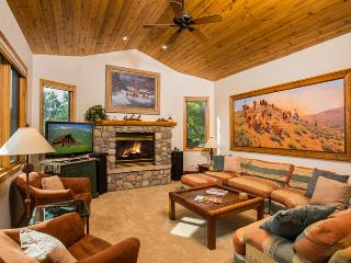 Valley Vista Chalet: Views, Private Hot Tub, Huge, Steamboat Springs