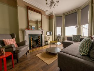 3 Bed, 2 Bath House -Queens Quarter, Belfast