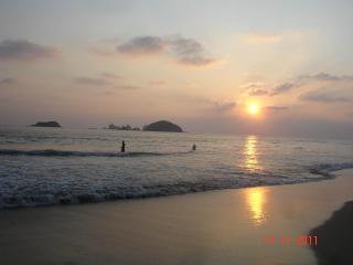 Great Condo, 5min walk to the Ocean! QUINTA PERA, Ixtapa