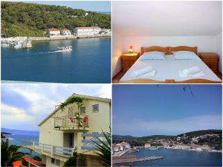 Apartment with a beautiful sea view, Jelsa