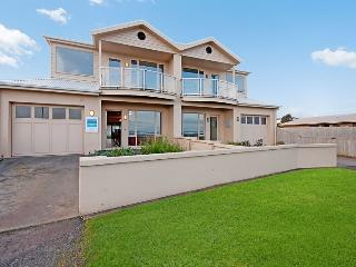 SOUTHERN SURF TOWNHOUSE, Port Fairy