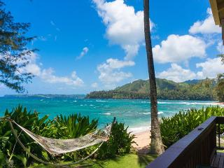 Large Haena house - ON THE BEACH - views! location!  Just steps to the sand.