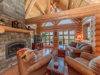 Summer Specials! Eagle's Nest Overlooking Lake Cle Elum!  4BR | Hot Tub
