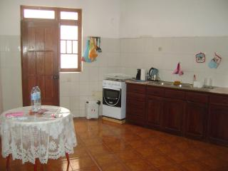 Shared Apartment, Mindelo