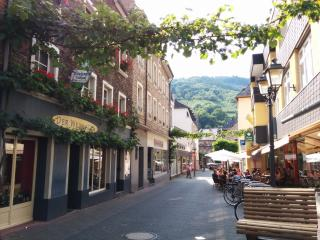 Central and Sunny Apartment with Balcony, Traben-Trarbach