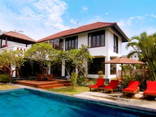 100m From Echo Beach - Villa Jade, Canggu