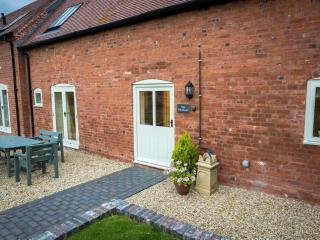 The Swallows Luxury Farm Cottage hottub sleeps 5-7, Bromsgrove