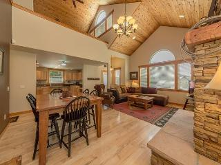 Upscale Vacation Home Near Suncadia! Slps 11 | Hot Tub | Summer Specials!, Cle Elum