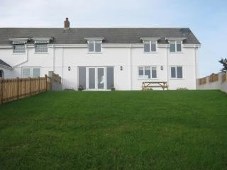 Gower self catering with stunning views, Llanrhidian