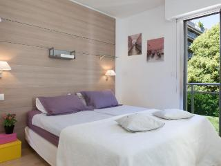 Velasquez 1 Bedroom Flat with a Balcony, in the French Riviera, Cannes