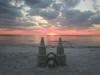 Island Gulf Front, Sunset, Luxury Condo, Wi-Fi, Fort Myers Beach