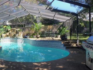 Private HEATED Pool + Luxury Home + Beaches + Golf, Palm Harbor