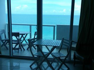 Miami Beach OceanFront with Balcony