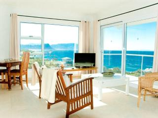 Roman Rock Luxury Studio with Balcony and Sea View, Simon's Town