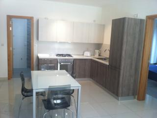 NEW 2 bedroom apartment, 1min from Sliema seafront