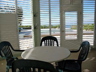 Harvey Nicole Kai 2BR Oceanfrt, Grand Cayman