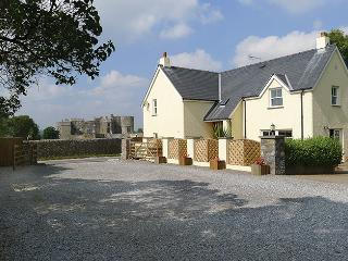 Five Star Holiday Cottage - Gate Cottage, Carew, Cresswell Quay