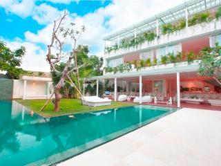 Eden 5 bedroom, residence by the sea, Seminyak