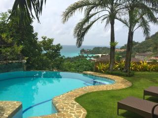 Spacious 4-BR Apartment with Seaview - Ground Flr, Boracay