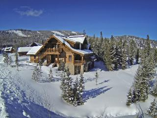 Ski in / Ski Out: 6 Bedroom Spanish Peaks Cabin, Big Sky
