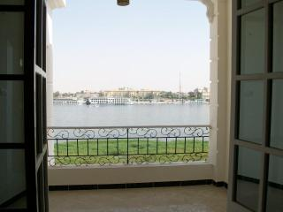 The White House apartment 101 with Nile view, Louxor