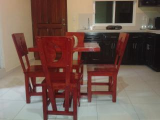 One Block to the Beach Great apartment dowtown!, Playa del Carmen