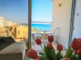 FIG TREE BAY APARTMENT 406, Protaras