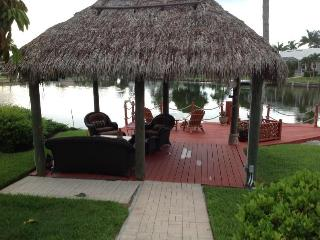 Wide water view pool home, close to beach-remodeled, Isla Marco