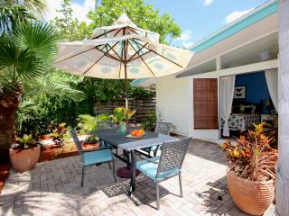 OUR TOP LOCATION! Gertrude's Village House, Siesta Key