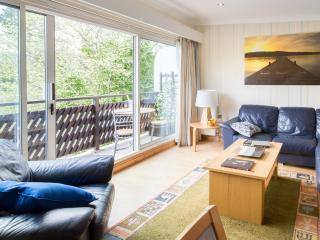 Number 18 Bowness - central location holiday let, Bowness-on-Windermere