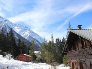 Spacious, secluded apartment for 5 in Les Bossons, Chamonix