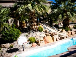 St. George Vacation Villa with pool, water slide, 8 bedrooms, theater & more!, Saint George